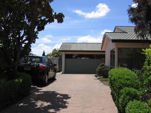 Picture of House requiring House Sitter at Kiwi House Sitters, New Zealand. Location Highbury, Palmerston North 4412