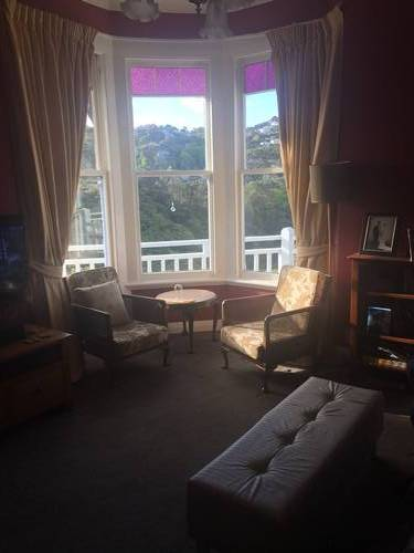 House Ad Kelburn Wellington 6012 Kiwi House Sitters